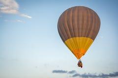 balon powietrza niebieski gorące niebo Zdjęcia Stock