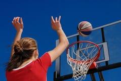 Baloncesto adolescente de los juegos Fotos de archivo libres de regalías