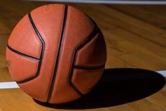 Baloncesto aislado Imágenes de archivo libres de regalías