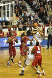 Baloncesto, Cyril Akpomedah. imagenes de archivo