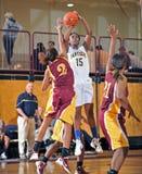 Baloncesto de la High School secundaria de las muchachas fotografía de archivo