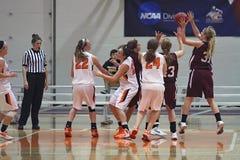 Baloncesto de las muchachas del NCAA Imagen de archivo libre de regalías