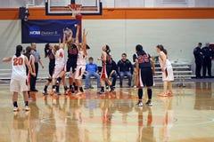 Baloncesto de las muchachas del NCAA Imagenes de archivo