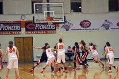 Baloncesto de las muchachas del NCAA Foto de archivo libre de regalías