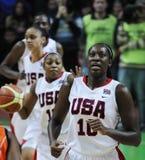 Baloncesto de las mujeres. UGMK contra los E.E.U.U. Fotografía de archivo