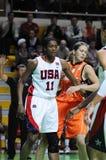 Baloncesto de las mujeres. UGMK contra los E.E.U.U. Imágenes de archivo libres de regalías