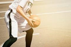 Baloncesto del juego de las mujeres Foto de archivo libre de regalías