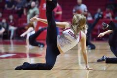 2014 baloncesto del NCAA - acción del juego del templo de Towson @ Foto de archivo libre de regalías
