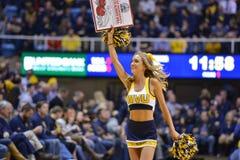 2015 baloncesto del NCAA - estado de WVU-Oklahoma Foto de archivo