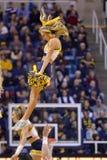 2015 baloncesto del NCAA - estado de WVU-Oklahoma Imagenes de archivo