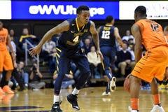 2015 baloncesto del NCAA - estado de WVU-Oklahoma Imagen de archivo