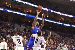 2014 baloncesto del NCAA - Kansas en el templo Fotografía de archivo