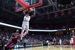 2015 baloncesto del NCAA - St Joe en el templo Imágenes de archivo libres de regalías