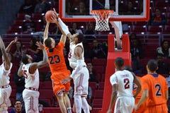 2015 baloncesto del NCAA - templo-Bucknell del NIT primer Rd Imágenes de archivo libres de regalías