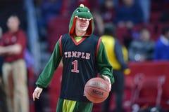 2015 baloncesto del NCAA - Templo-Cincinnati Foto de archivo libre de regalías