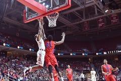 2015 baloncesto del NCAA - Templo-La de los cuartos de final del NIT tech Fotos de archivo