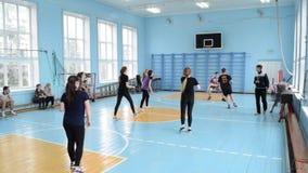 Baloncesto en escuela almacen de video