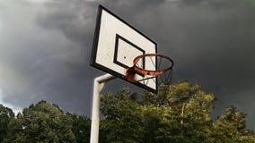 Baloncesto Ring With Stormy Sky Foto de archivo libre de regalías