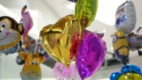 Balones de aire coloridos del gel almacen de metraje de vídeo