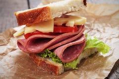 Baloney i serowa kanapka zdjęcia royalty free