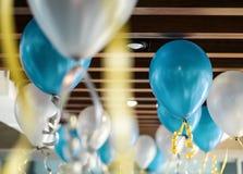 Balonowa dekoracja na suficie w przyjęciu Obrazy Royalty Free