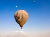 Balonowa wycieczka turysyczna w Goreme Zdjęcia Stock