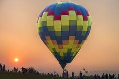 Balonowy festiwal w miasto parku Zdjęcia Royalty Free
