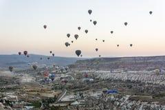 Balonowy latanie nad Cappadocia Fotografia Royalty Free