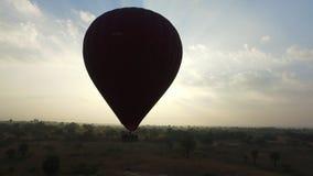 Balonowy latanie w Bagan zbiory wideo