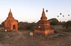 Balony nad Bagan przy wschodem słońca fotografia royalty free