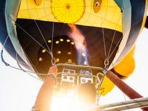 Baloon газа пламени человека силуэтов Стоковая Фотография