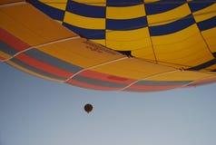 Balooning no nascer do sol Fotos de Stock Royalty Free