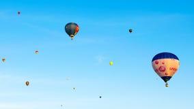 Baloons het hangen op de lucht Stock Fotografie