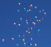 Baloons im Himmel Stockfoto