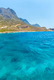 Balos海滩 从Gramvousa海岛,克利特的看法在Greece.Magical绿松石水域,盐水湖,纯净的白色沙子海滩中 不可思议的绿松石水,盐水湖,海滩 免版税库存图片