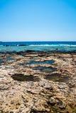 Balos海滩 从Gramvousa海岛,克利特的看法在Greece.Magical绿松石水域,盐水湖,纯净的白色沙子海滩中 不可思议的绿松石浇灌,盐水湖,纯净的白色沙子海滩 库存照片