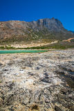 Balos海滩 从Gramvousa海岛,克利特的看法在Greece.Magical绿松石水域,盐水湖,纯净的白色沙子海滩中 不可思议的绿松石浇灌,盐水湖,纯净的白色沙子海滩 免版税库存图片