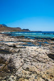 Balos海滩 从Gramvousa海岛,克利特的看法在Greece.Magical绿松石水域,盐水湖,纯净的白色沙子海滩中 不可思议的绿松石浇灌,盐水湖,纯净的白色沙子海滩 免版税图库摄影