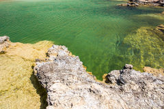 Balos海滩 从Gramvousa海岛,克利特的看法在Greece.Magical绿松石水域,盐水湖,纯净的白色沙子海滩中 不可思议的绿松石浇灌,盐水湖,纯净的白色沙子海滩 库存图片
