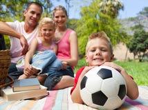 balowej chłopiec zabawa ma małą piłkę nożną Obraz Royalty Free