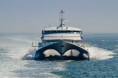 Balsa de passageiro do catamarã foto de stock royalty free