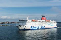 Balsa do espírito de Stena que navega fora de Karlskrona na Suécia Fotos de Stock
