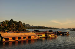 Balsa en el río Foto de archivo libre de regalías