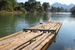 Balsa en el río Fotos de archivo libres de regalías