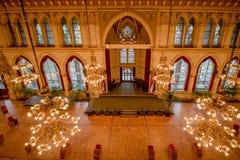 Balsal i det Wien stadshuset, Österrike Royaltyfri Fotografi
