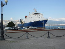 Balsee SEVASTOPOL en la ciudad de puerto de Novorossiysk Imagen de archivo