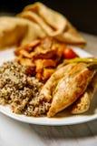 Balsemieke Kip Gemengde Quinoa stock afbeelding