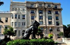 Baltimore, Doctor en Medicina: Soporte Vernon Place Apartments Foto de archivo libre de regalías