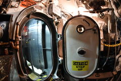 BALTIMORE, EUA - 21 de junho de 2016 - fim submarino do detalhe da opinião da guerra mundial do TORSK ii do interior acima imagens de stock royalty free