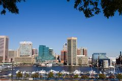 Baltimore-Hafen-Skyline Lizenzfreie Stockfotos